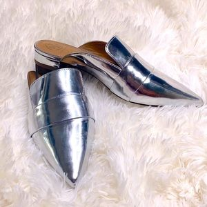 Tory Burch Silver Leather Mule Size 6.5 Pointy Toe
